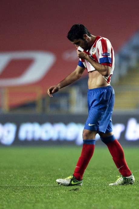El Atlético de Madrid perdió su racha sin derrota al caer 2-0 ante el Académica de Coimbra.