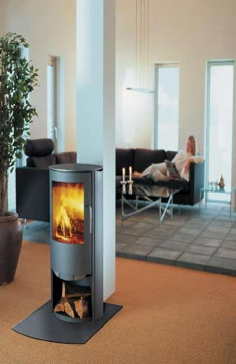 De leña o de gas, ya no necesita espacios grandes para albergar un elemento tan cálido de la decoración como las chimeneas.