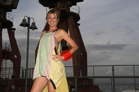 Modelo e apresentadora, Ellen Jabour prestigiou o Fashion rio e contou o segredo para pele dourada