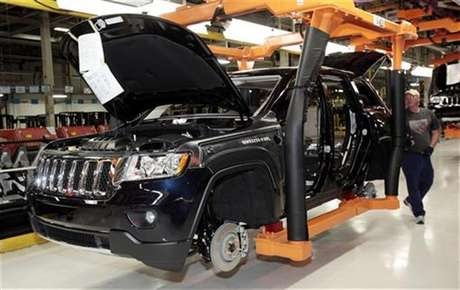 The all-new 2011 Jeep Grand Cherokee moves along the assembly line at the Jefferson North Assembly Plant in Detroit, Michigan May 21, 2010.