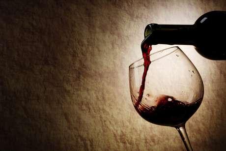 Vinho contém substância que aumenta eficácia da radioterapia