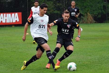 Perto de estreia, jogadores do São Paulo comemoram volta de Ganso aos gramados