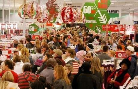 Evita el caos en las tiendas. Aprovecha a comprar los días en los que habrá menos consumidores