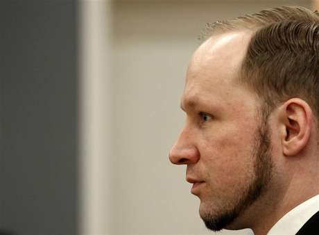 Norwegian mass killer Anders Behring Breivik reacts as he returns after a break to the court room, in Oslo Courthouse August 24, 2012.