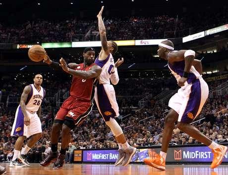James mantiene el nivel que lo llevó a ser el MVP.