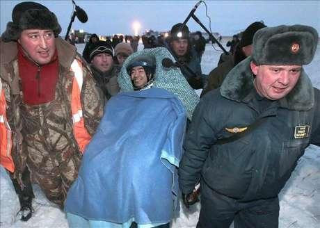 Astronautas japonés, estadounidense y ruso regresan a la Tierra