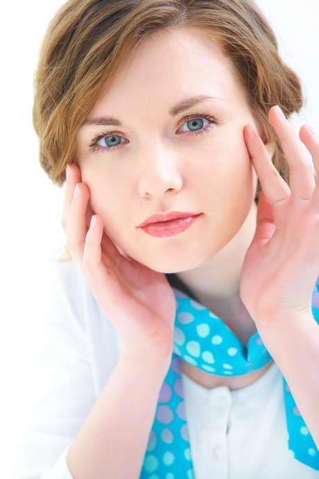 Comum e bastante perigoso para saúde de homens e mulheres, o estresse em excesso pode trazer também grandes problemas para a pele