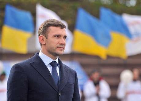 Shevchenko rechaza ser técnico de Ucrania.