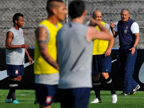 Tite está cotado para assumir a Seleção Brasileira na vaga de Mano