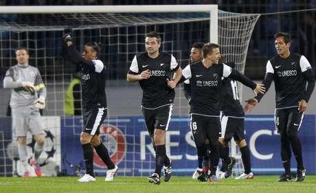 Los jugadores del Málaga celebrando el segundo gol en Rusia
