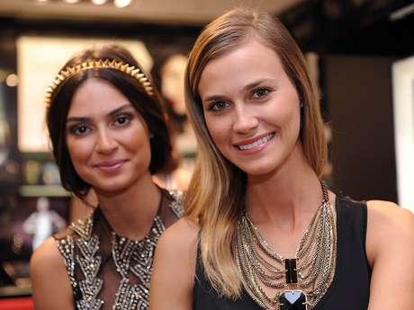 Thaila Ayala e Renata Kuerten marcam presença na abertura da loja