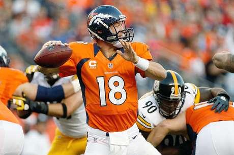 Peyton Manning, quarterback de los Broncos de Denver (18)