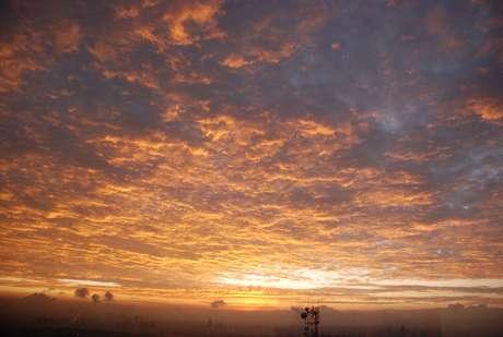 Prepara tus ojos para estas maravillas naturales. Se trata de algunos de los muchos paisajes que debes ver antes del fin del mundo. Comenzamos con este amanecer en la Ciudad de México, uno de los grandes espectáculos que nos ofrece el cielo.