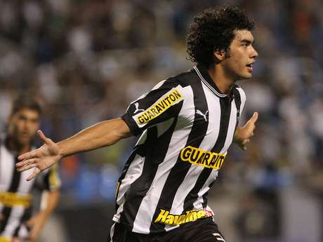 Bruno Mendes, do Botafogo, está entre os convocados para o Sul-Americano Sub-20