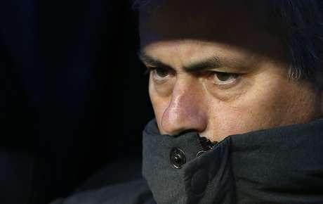 Em desembarque em Portugal, Mourinho se diz tranquilo com situação do Real Madrid