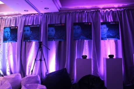 Banners com fotos de alguns dos jogadores que participaram do torneio