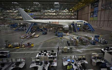 A Boeing 787 sits on the assembly line at the company's operations in Everett, Washington, October 18, 2012.