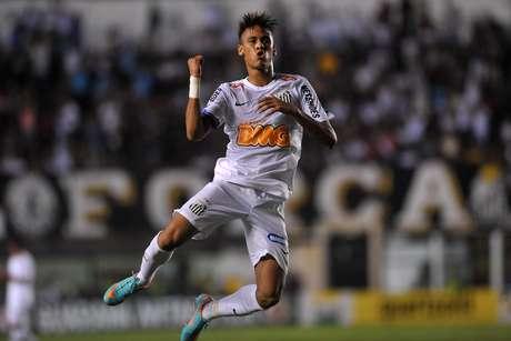 Neymar marcou dois gols e deu uma assistência contra o Palmeiras