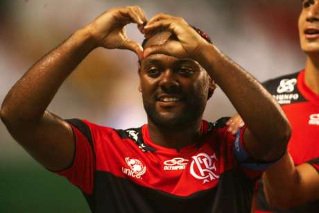 Vagner Love apoiou Patricia Amorim nas candidaturas à Câmara Municipal do Rio de Janeiro e à reeleição no Flamengo