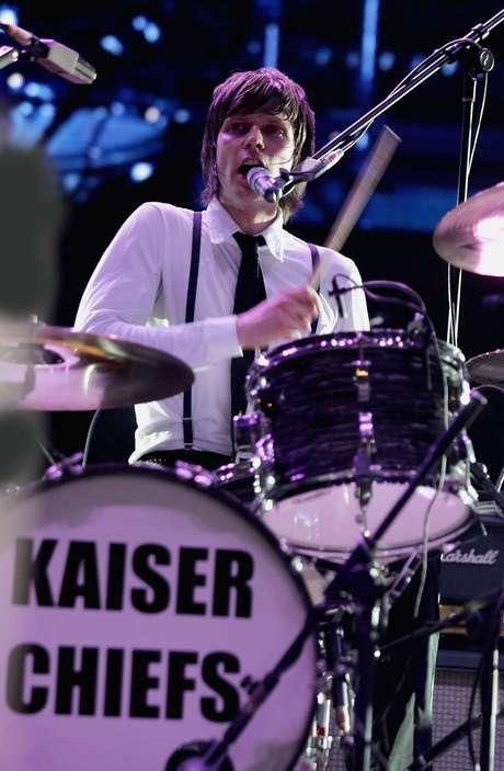 O baterista justificou sua saída através das redes sociais