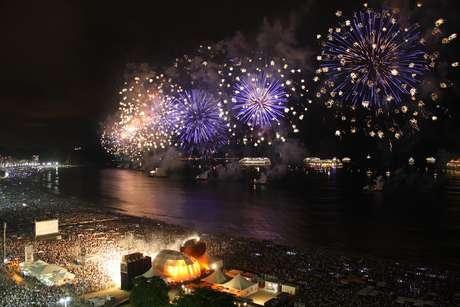 O Rio de Janeiro está entre as 10 cidades com as melhores festas de virada de ano, segundo o site de turismo