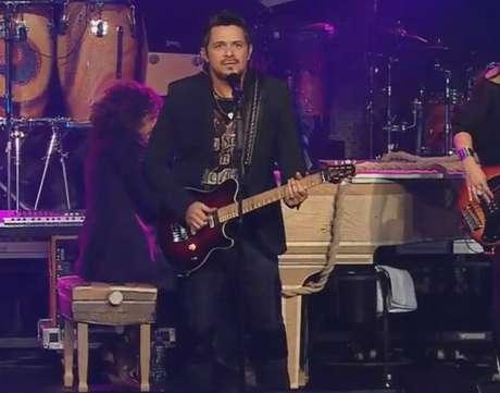 Alejandro Sanz se apresentou nesta quinta-feira (6), em Miami, em show transmitido ao vivo pelo Terra através da plataforma Terra Live Music
