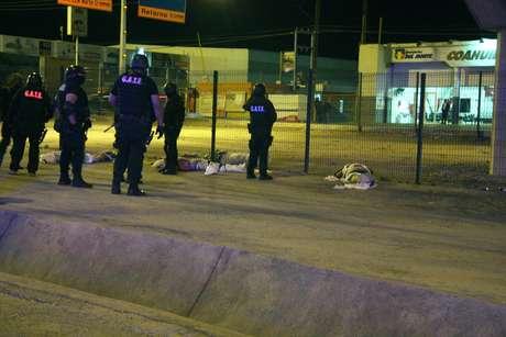 Cuatro hombres que aparecieron el viernes colgados de un puente en Coahuila.