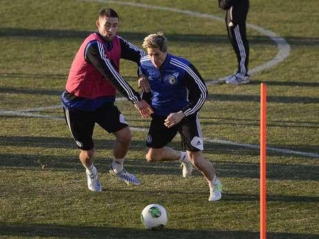 Fernando Torres (à dir.) começou a jogar futebol por causa de um desenho japonês