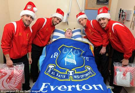 The athletes also visited a committed Everton fan at the hospital.