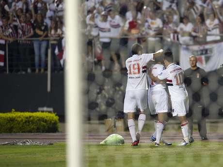 Na despedida, Lucas marcou um dos gols; após confusão, jogo foi encerrado no intervalo