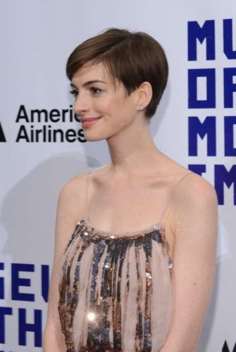 Anne Hathaway cree que los fotógrafos se aprovecharon de su descuido.