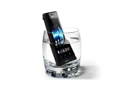 Modelo intermediário é à prova d'água e de arranhões, segundo a Sony