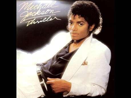 'Thriller', una de las máximas obras de Michael Jackson, otorgó a su sonido todo lo necesario para que el rey del pop definiera su estilo. Con su exitoso debut en 1982, esta producción alcanzó la cima gracias a las millonarias ventas y a laespectacular parafernalia que se construyó alrededor de la misma. En este álbum se concentran éxitos como 'Billie Jean', 'Beat It' y el éxito 'Thriller', el cual le da nombre a este trabajo.