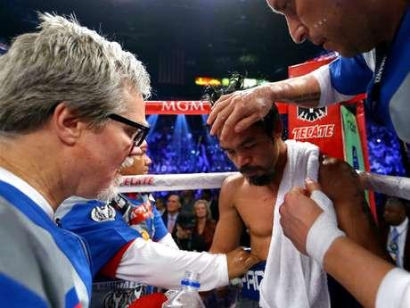 Tras conocer esta decisión, Bob Arum, CEO de Top Rank, planea mandar al boxeador tagalo a una clínica en Cleveland, para realizarle estudios más profundos.