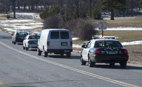 Patrulleros van en marcha al lugar del tiroteo (foto de archivo).