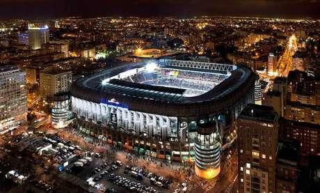 El Santiago Bernabéu, en la actualidad, uno de los estadios más prestigiosos del mundo. Lugar de reunión de todos los madridistas.