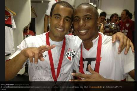 Lucas Moura and Wellington are oblivious to the problems their rivals Tigre had in the final of the Copa Sudamericana (the latter charged assault and threats against police and security) as they celebrate a title awarded when the Argentine club refused to play the second half.