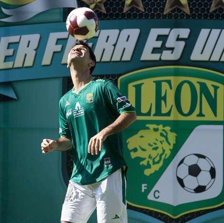 Márquez regresa al futbol mexicano después de 13 años, luego de dejar al Atlas en 1999 para emigrar al balompié europeo.