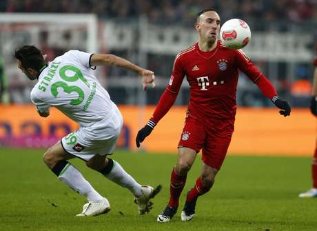 Franck Ribery tries to control the ball during Bayern Munich's 1-1 tie with Borussia Moenchengladbach.