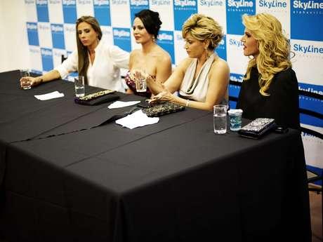 Convidada para a 2ª temporada do reality, Val Marchiori (à esq) foi motivo de discórdia em evento
