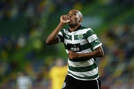 Diretoria do Fluminense estaria interessada em contratar o ex-corintiano Elias