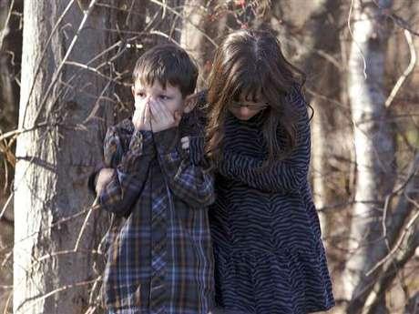 Los niños también perciben el dolor y la tristeza tras una matanza como la de Sandy Hook.
