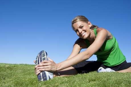 Pessoas que praticam pelo menos duas horas e meia de exercícios por semana vivem, em média, seis anos a mais