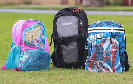 Las mochilas 'antibalas' se venden de 250 a 300 dólares.