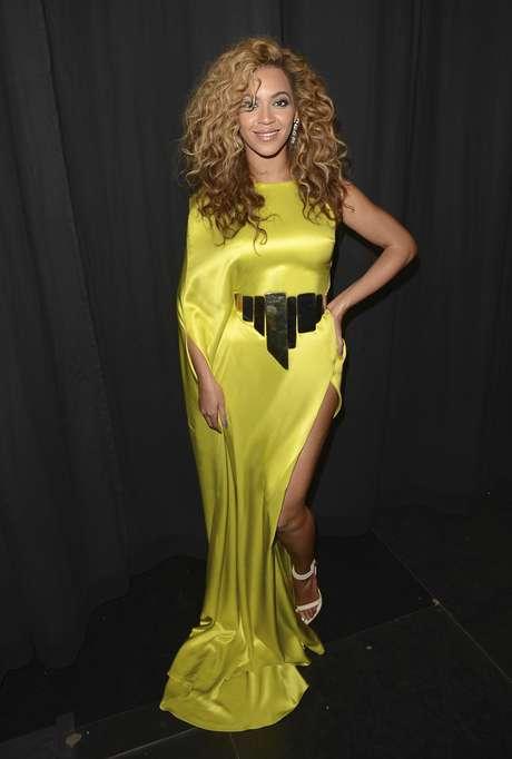 Beyoncé entrena regularmente con Marco Borges, se ejercita con la rutina Power Moves que él diseñó. Debido a su apretada agenda, ella entrena en intervalos para ahorrar un poco de tiempo.<br />