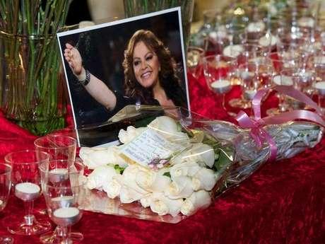 Funeral de Jenni Rivera: los detalles minuto a minuto
