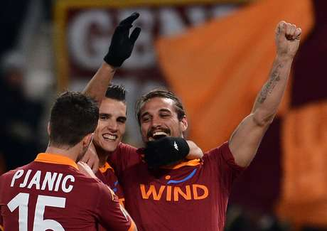 Erik Lamela scored a brace as Roma breezed to a 4-2 victory.