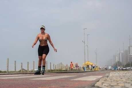 <strong>23 de dezembro</strong> Domingo teve nevoeiro na parte da manhã na Barra da Tijuca, no Rio de Janeiro, mas não impediu que se aproveitasse a praia