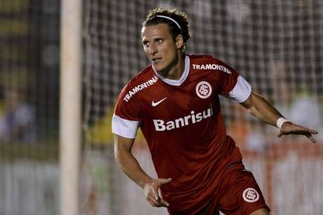 Forlán saiu do Inter no começo de 2014