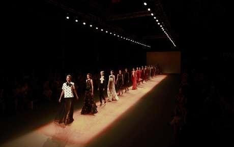 Modelos presentan piezas de Andrea Marques en la Semana de la Moda en Rio de Janeiro, Brasil, en una fotografía del 14 de enero de 2012. En 2013 Brasil quiere empezar a ser conocida más por su producción de moda que por sus modelos.
